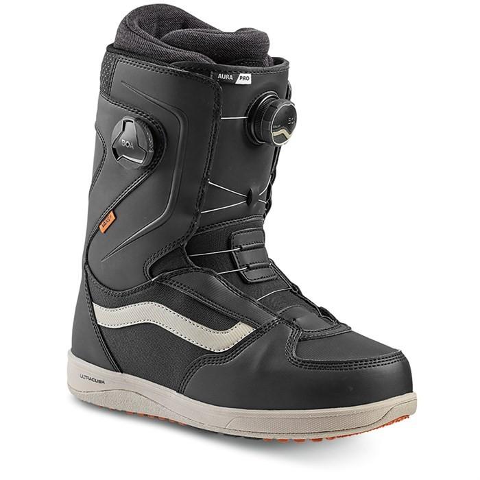 Купить со скидкой Ботинки для сноуборда мужские VANS Mn Aura Pro Black/Cashme